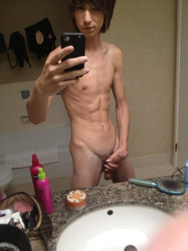 Skinny Nude Twink