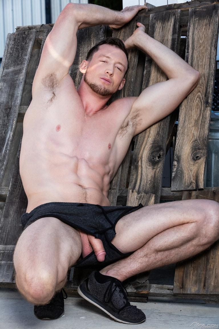 Gay porn star Pierce Paris